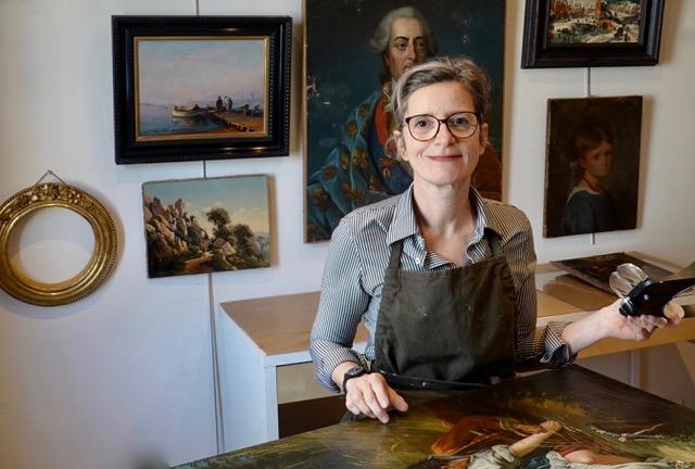 Nathalie de Montrave Restauratrice de tableaux | Atelier de Montravel